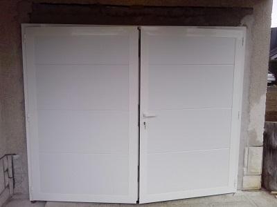 Dvokrilna garažna vrata - bela