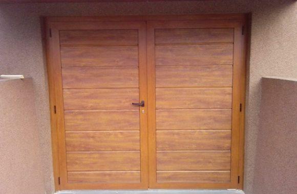 Dvokrilna garažna vrata - imitacija lesa zlati hrast