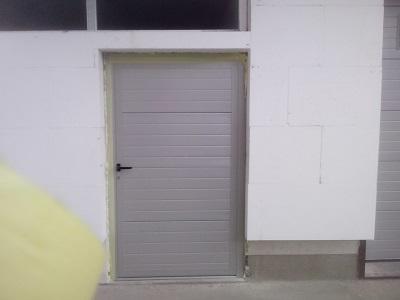 Enokrilna vrata