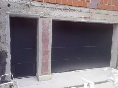 Sekcijska garažna vrata + enokrilna vrata antracit gladka
